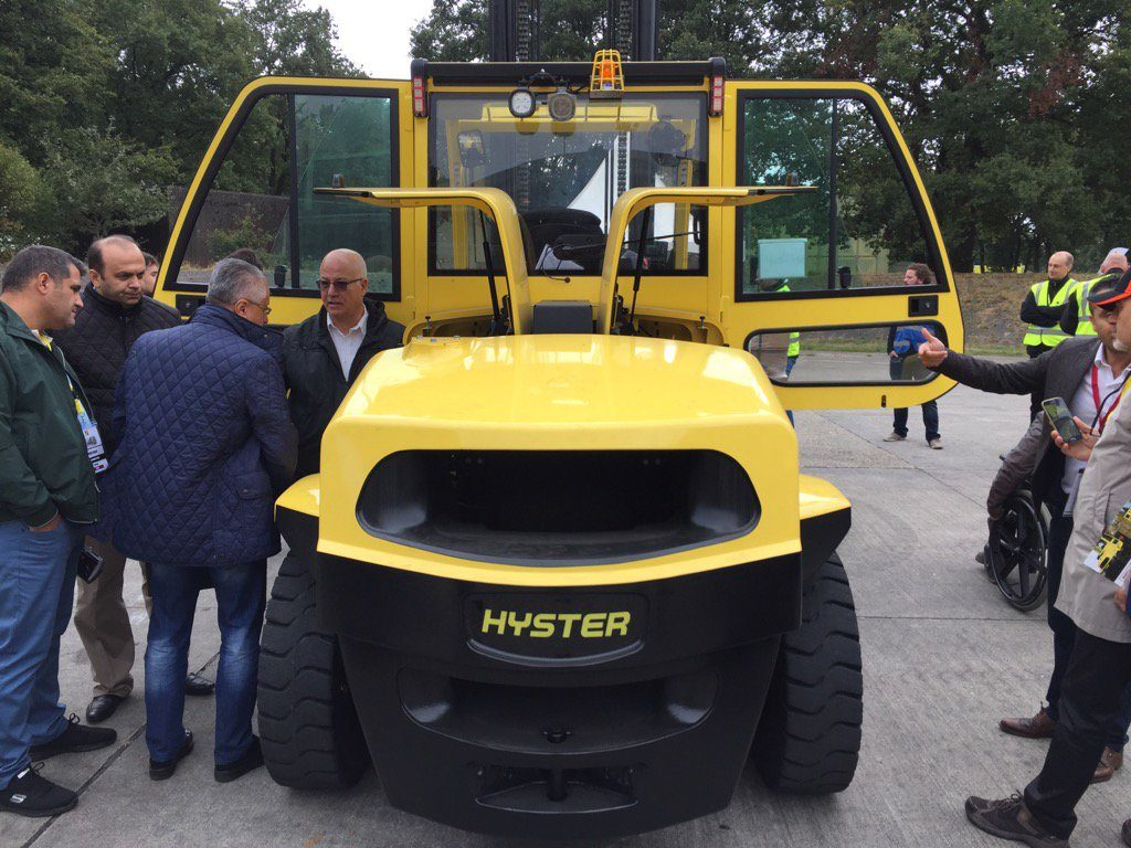 Hyster-Lithium-Ion-battery-powered-8-tonne-electric-forklift