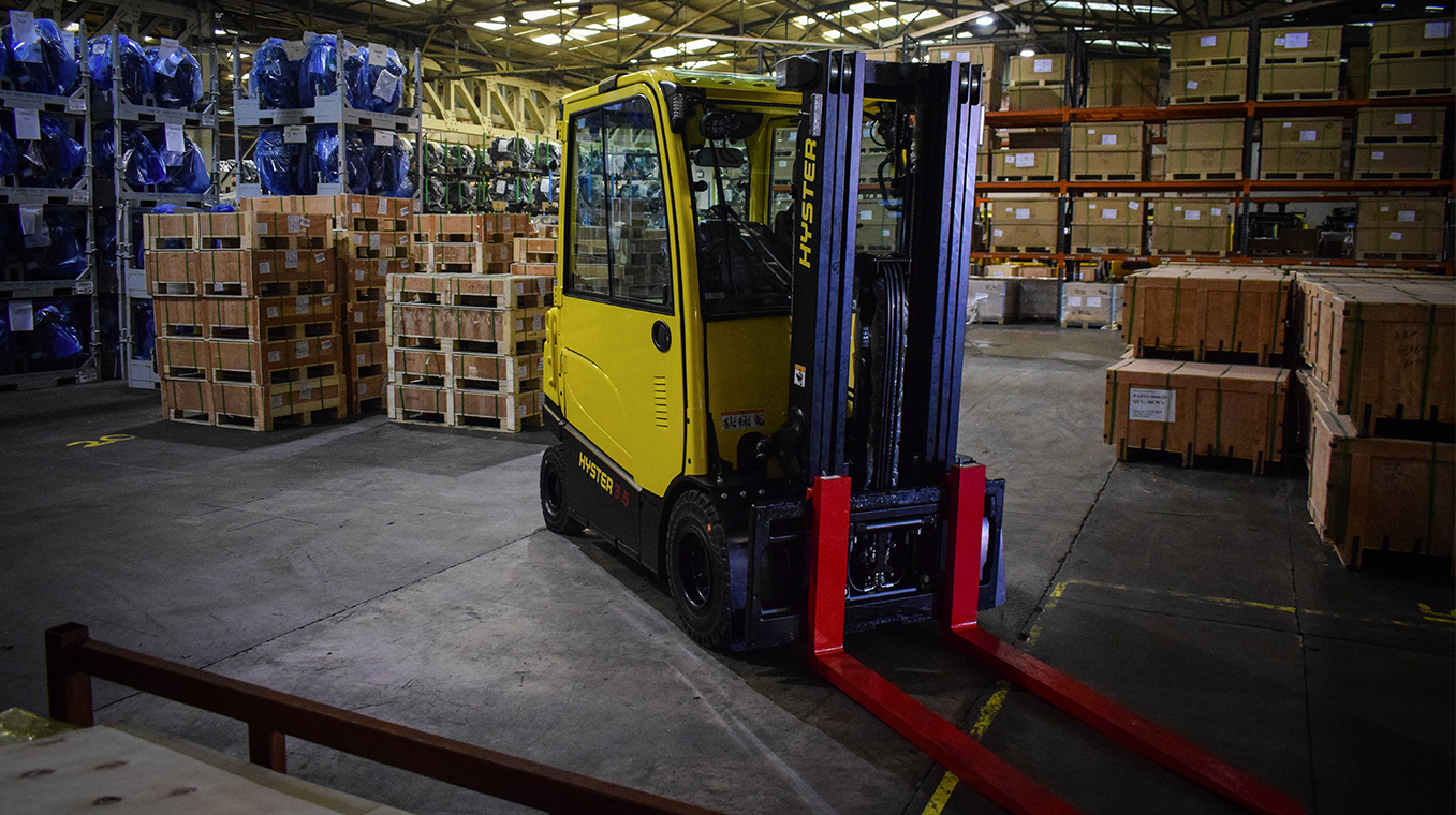 Hyster-Blog-Post-Image-Container-Stuffer-01