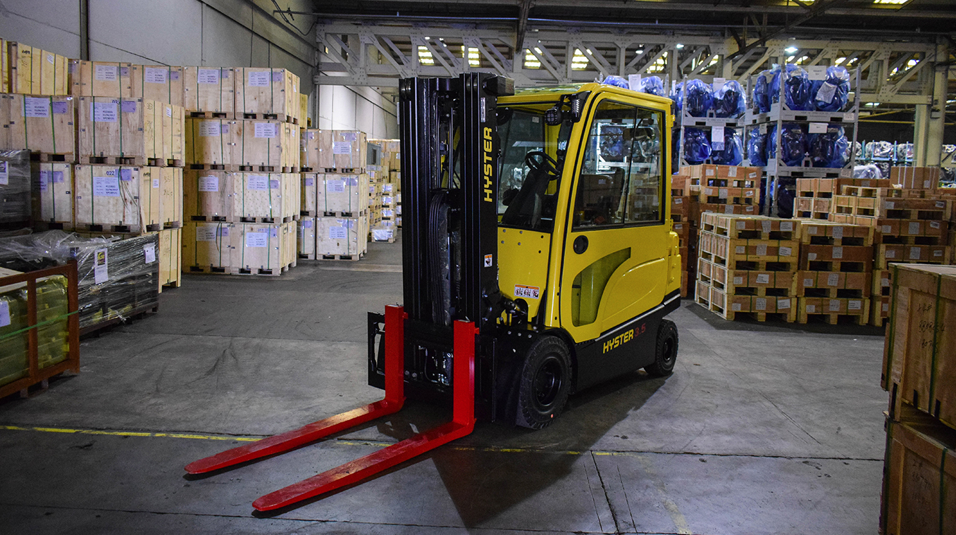 Hyster-Blog-Post-Image-Container-Stuffer-02