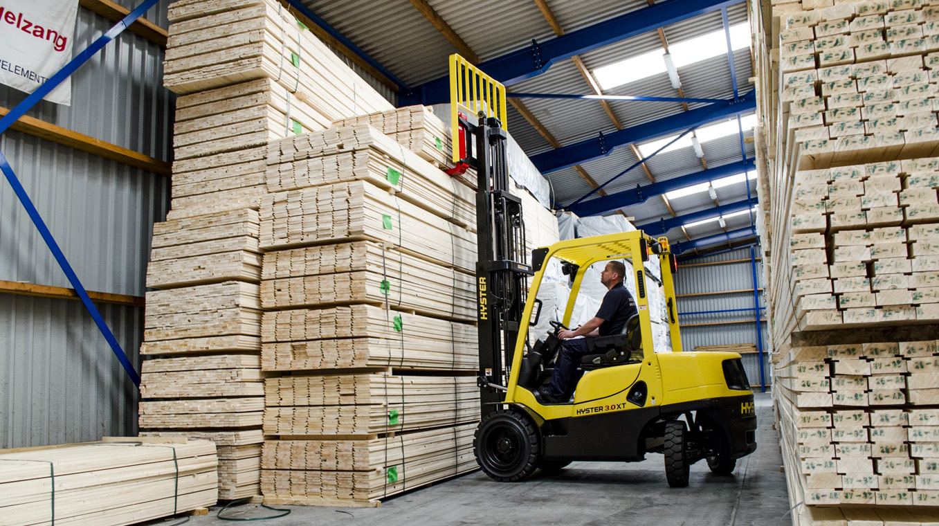 Hyster-Blog-Post-Image-Wood-Handling-2