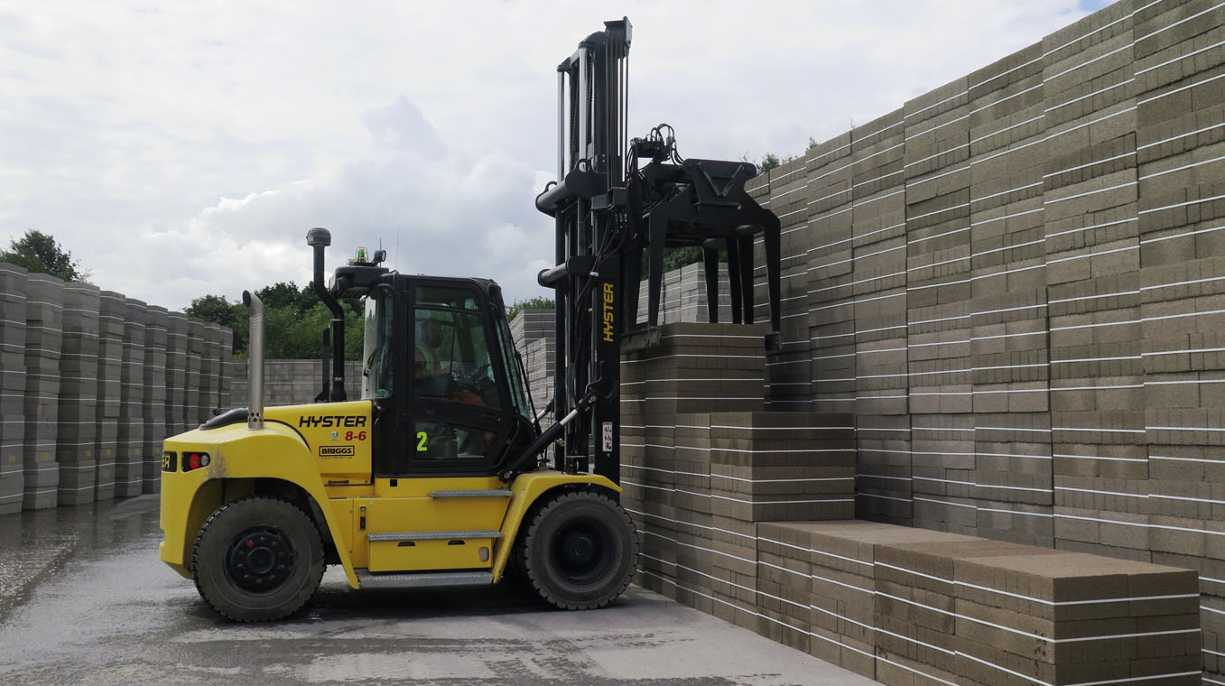 Hyster-Blog-Post-Image-Construction-2